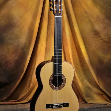 Bob Desmond Classical Guitar 2014 Engelmann Spruce w/Ziricote